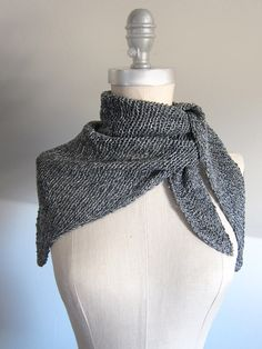 "free knitting pattern for ""Le petite Parisien"" - Knit with Habu Wrapped Silk, Le Petit Parisien is a light, stylish little accessory with gorgeous texture and Parisian flair!"