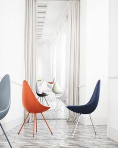#Fritz #Hansen #Drop #Chair #stoel is vanaf nu verkrijgbaar! Deze hagelnieuwe #design stoel, ontworpen door #Arne #Jacobsen, heeft de vorm van een #druppel. Deze gave, stijlvolle stoel is verkrijgbaar in zes kleuren.