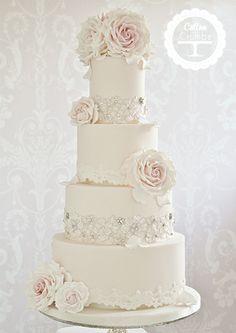 Pretty wedding cake❣ Cotton & Crumbs