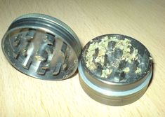 The basics of a weed grinder Get Shredded, Smoking Accessories, Smoking Weed, How To Relieve Stress, Things To Come, Herbs, Canning, How To Make, School Health
