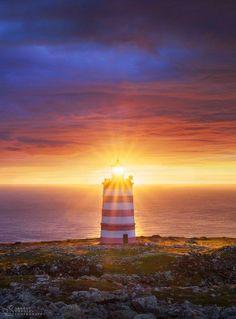 «Да будет свет!». Рассвет на северном берегу острова Кильдин, Баренцево море. Автор фото – Сергей Королев:
