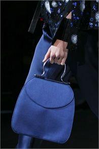 Giorgio Armani Milano - bagged to the bone! New Handbags, Burberry Handbags, Handbags Online, Louis Vuitton Handbags, Fendi Bags, Blue Fashion, Look Fashion, Fashion Bags, Fashion Accessories