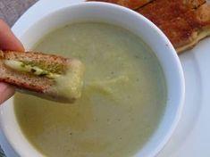 Broccoli Stalk Soup - How to use food scraps - Brokkoli Rezepte Broccoli Recipes, Veggie Recipes, Baby Food Recipes, Soup Recipes, Cooking Recipes, Stuffed Pepper Soup, Stuffed Peppers, Brocoli Soup, Pamela Salzman