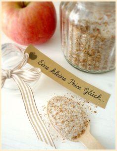 Eine kleine Prise Glück: Zimtzucker & getrocknete Apfelringe