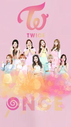 """Para personel girl band asal Korea Selatan, TWICE akhirnya secara resmi mengungumkan debut mereka di Jepang. Para pelantun """"TT,"""" judul sal..."""