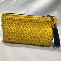 Chrochet, Knit Crochet, Diy Jewelry Holder, Knitted Bags, Crochet Clothes, Zip Around Wallet, Matcha, Quilts, Purses