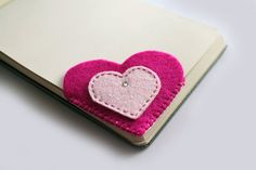 Bookmark heart corner in fuchsia and pink felt by Unavitaacolori, €6.00