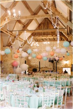 DIY-rustic-barn-wedding-decoration