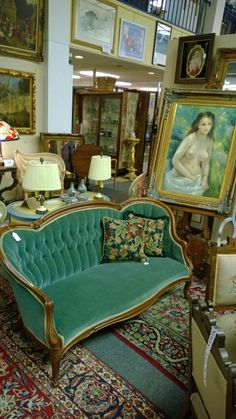 Green Victorian Sofa - looks similar to ours only ours is a burgundy color Victorian Style Furniture, Victorian Couch, Victorian Rooms, Victorian Parlor, Victorian Style Homes, Victorian Decor, Antique Furniture, Antique Chairs, Biedermeier Sofa