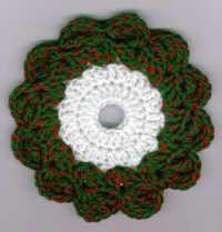 Christmas Wreath CD Hotpad - Use an old CD for the Christmas crochet craft.