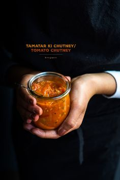 This Tamatar ki chutney (tomato chutney) is spicy, tangy and sweet all at the same time. A perfect condiment to your meals! Relish Recipes, Chutney Recipes, Spicy Recipes, Laos Desserts, Best Indian Recipes, Chili Sauce Recipe, Fermentation Recipes, Dark Food Photography, Natural Food Coloring