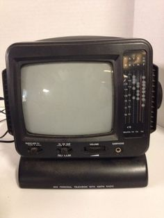 "5"" Black And White Television/Radio Receiver"