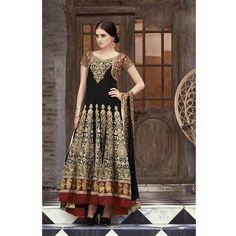 Getting set to welcome the festive season with elegance with this ravishing outfit. #RunwayRising #Exhibition #Fashion #BlackAndGold #IndianAttire #GlamUp #DelhiExhibition #FashionDiaries #WeddingAttire #IndianFashion