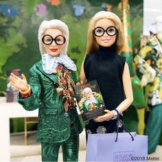 """When I grow up I want to be Iris Apfel! has just launched her new book """"Iris Apfel: Accidental Icon,"""" & to celebrate has created a one-of-a-kind Iris Apfel Barbie Life, Barbie World, Fashion Dolls, Fashion News, Women's Fashion, Accidental Icon, Barbie Family, Gucci, Vogue India"""