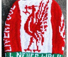 Liverpool, Aktiv, Tree Skirts, Crochet Hooks, Mittens, Christmas Tree, Coats, Knitting, Holiday Decor