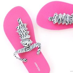 Cut up an old boring pair of flip-flops and create new straps with cotton fabric.