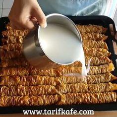 """385 Beğenme, 2 Yorum - Instagram'da @cay.saati.ikramlari: """"@tarifkafe Baklavalık Yufkadan Sütlü Burma Tatlısı (Burma Baklavası) MALZEMELER: 1 paket…"""" Catering, Turkish Delight, Arabic Food, Turkish Recipes, Dessert Recipes, Desserts, Confectionery, Frozen Yogurt, Tasty Dishes"""