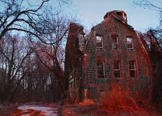 You've heard the classics–Bloody Mary, the Boogeyman, the Baby Sitter and the Man Upstairs. Now how about some real urban legends, creepy bits of contemporary folklore that either turned out to be based on true stories, or urban legends that became true! Abandoned Asylums, Abandoned Buildings, Abandoned Places, Scary Places, Haunted Places, Scary Things, Willowbrook State School, Photo Post Mortem, Creepy Stories