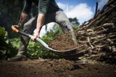 Vidle Fiskars Xact kompostové, skvělý nástroj na manipulaci se zahradními hmotami. Délka 108 cm, hmotnost 1,7 kg. Prodloužená záruka 25 let!