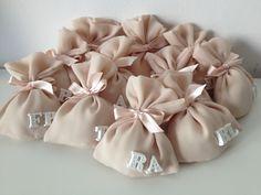 sacchettini confetti matrimonio www.partecipazioniebomboniere.com