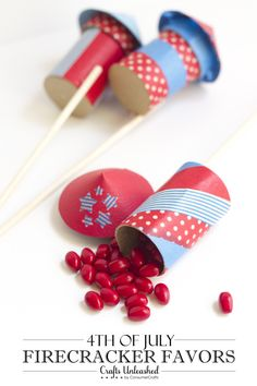 of July Firecracker Favors are the perfect DIY party favor for Independence Day parties! All-American Red, White and Blue party favors! 4th Of July Celebration, 4th Of July Party, Fourth Of July, July Crafts, Summer Crafts, Holiday Crafts, Holiday Ideas, Holiday Parties, Christmas Ideas