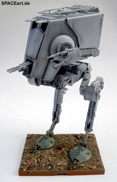 http://spaceart.de/produkte/sw071.php ... Unter Euch gibt es doch sicher viele Fans der alten Star Wars Filme, oder? Für die bieten wir hier nun einen wunderbar hoch-detaillierten AT-ST als Fertig-Modell. Gibt es unter Euch eigentlich auch Star Wars Fans, die die alten Filme noch gar nicht kennen, sondern nur die neuen?