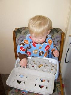 Long list of activities for toddlers to develop fine motor skills!