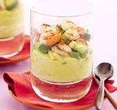Amuse van Hollandse garnalen op avocadomousse