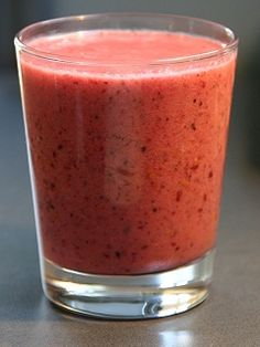strawberry smoothie 1 cup coconut milk, 2 Tbsp coconut oil, 1/3 cup berries, pinch o' salt.