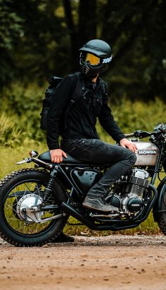 Staying positive and thinking of times like these when I was out on the Honda 🖤 Scrambler Motorcycle, Moto Bike, Motorcycle Style, Motorcycle Gear, Concept Motorcycles, Vintage Motorcycles, Estilo Cafe Racer, Biker Photoshoot, Cafe Racer Bikes