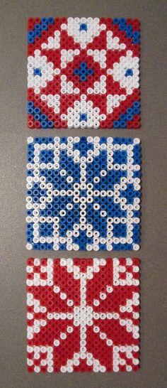 begin 2013 - glasonderzetters met 'Hama Beads', naar Noorse breipatronen