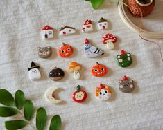 Clay Art Projects, Clay Crafts, Diy And Crafts, Cute Clay, Clay Figurine, Handmade Polymer Clay, Clay Creations, Craft Work, Biscuit
