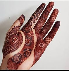Rose Mehndi Designs, Henna Tattoo Designs Arm, Unique Mehndi Designs, Latest Mehndi Designs, Wedding Tips, Dream Wedding, Romantic Roses, Mehendi, Themed Cakes
