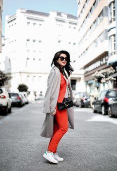 traje-rojo-redoute-jw-anderson-pierce-bag-adidas-stan-smith-streetstyle-myblueberrynightsblog8