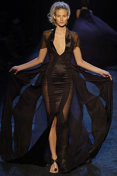 Zac Posen Spring 2005 Ready-to-Wear Fashion Show: Complete Collection - Style.com