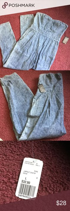 Forever 21 Denim jumpsuit New with tags , forever21 acid wash strapless jumpsuit.  Has two pockets,  just doesn't fit me! Size Large Forever 21 Dresses Strapless