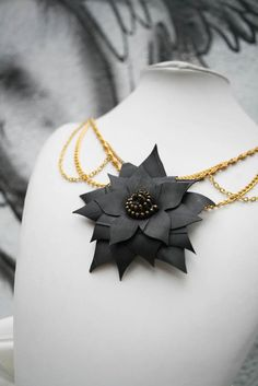 flower necklace made of upcycled inner bike tubes