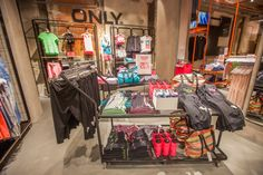 ONLY store by Riis Retail, Stuttgart – Germany » Retail Design Blog