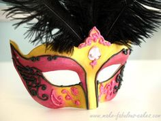 DIY Women Halloween Costumes  : DIY Gum paste Venetian Mask