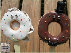 Samantha's Sweets: Doughnut Bride and Groom Wedding Cake Toppers