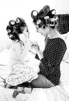 Séance bigoudis entre mère et fille // Mother and daughter hair roller session - émoi émoi