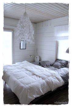 White wood, cosy doona, linen