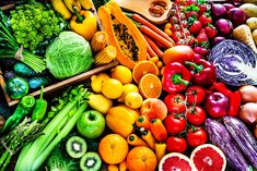 Prebiotic Foods, How To Boost Your Immune System, Eat The Rainbow, Rainbow Diet, Stock Foto, Sashimi, Plant Based Recipes, Fruits And Vegetables, Healthy Vegetables