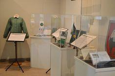 Varuskuntakaupunki Oulu – Poimintoja -näyttelyssä on otantoja Puolustusvoimien läsnäolosta Oulussa halki vuosikymmenien. Luuppi, Oulu (Finland)