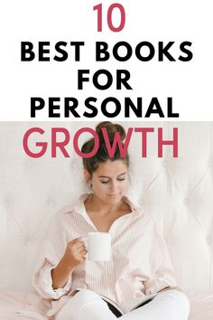 Here is a list of top best self-help books for women n their n their that are inspirational or talks about body image. self-confidence. Books aesthetic books to read . /self-improvement books/ personal growth books reading list/ book reading challenge. Top Books To Read, Books To Read In Your 20s, Books To Read For Women, Good Books, Best Self Help Books, Books For Self Improvement, Habits Of Successful People, Inspirational Books, Motivational Books