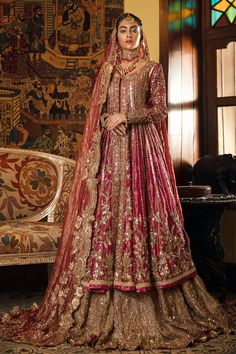 Image may contain: 1 person, standing Latest Bridal Dresses, Asian Bridal Dresses, Desi Wedding Dresses, Pakistani Wedding Outfits, Indian Bridal Outfits, Indian Bridal Fashion, Indian Bridal Wear, Party Wear Dresses, Indian Dresses