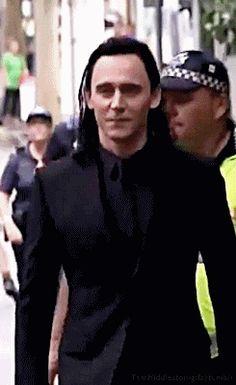 tomhiddleston-gifs: Loki's strut. Gif-set: http://tomhiddleston-gifs.tumblr.com/post/149529538014/lokis-strut