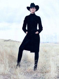 Beauty And Fashion Estilo Cowgirl, Cowgirl Chic, Western Chic, Cowgirl Style, Western Wear, Vogue Australia, Urban Cowboy, Winter Fashion, High Fashion