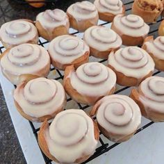 🤤🤤 Skip the bakery and make these Healthy Mummy Iced Cinnamon Scrolls instead! Healthy Mummy Recipes, Healthy Baking, Baking Recipes, Healthy Snacks, Cake Recipes, Scrolls Recipe, Cinnamon Scrolls, Food Processor Recipes, Sweet Treats