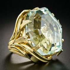How to find the perfect engagement ring - Fine Jewelry Ideas Aquamarine Jewelry, Diamond Jewelry, Diamond Rings, Gold Jewelry, Diamond Necklaces, Antique Jewelry, Vintage Jewelry, Wedding Rings For Women, Beautiful Rings